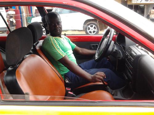 Yaoundé : Le paradoxe du chauffeur de taxi mutique