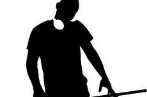 Article : Vendeur de matelas le jour, DJ la nuit